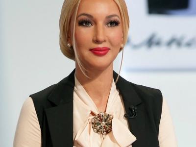 Лера Кудрявцева протроллила своих поклонников