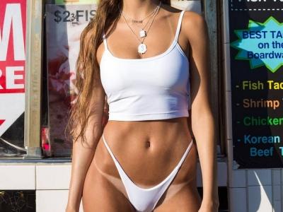 Не загорелые полосочки на девчачьих телах
