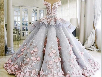 У этого платья есть маленький секрет, догадались какой?
