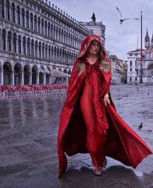 Красное платье и ты - королева