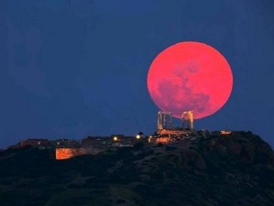 Такой была кровавая луна в мире 2015 г.